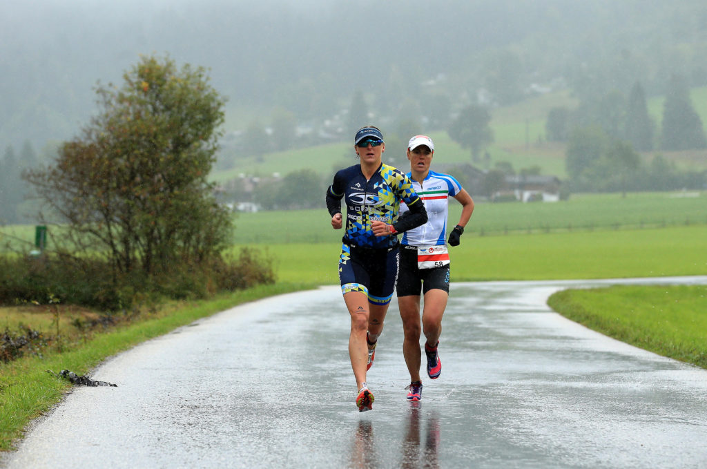 Quite happy to be on the run as a chance to get warm again. (Photo by Stephen Pond/Getty Images)